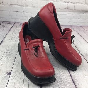 NWOT 7.5 Wanted chunky toggle loafers in red